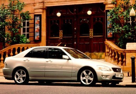 Autókatalógus - LEXUS IS 200 Sport (4 ajtós, 155.04 LE ...