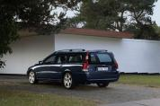VOLVO V70 2.4 D Kinetic (Automata)  (2004-2005)