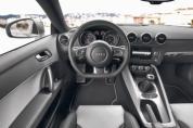 AUDI TT Coupe 2.0 TDI DPF quattro (2010–)